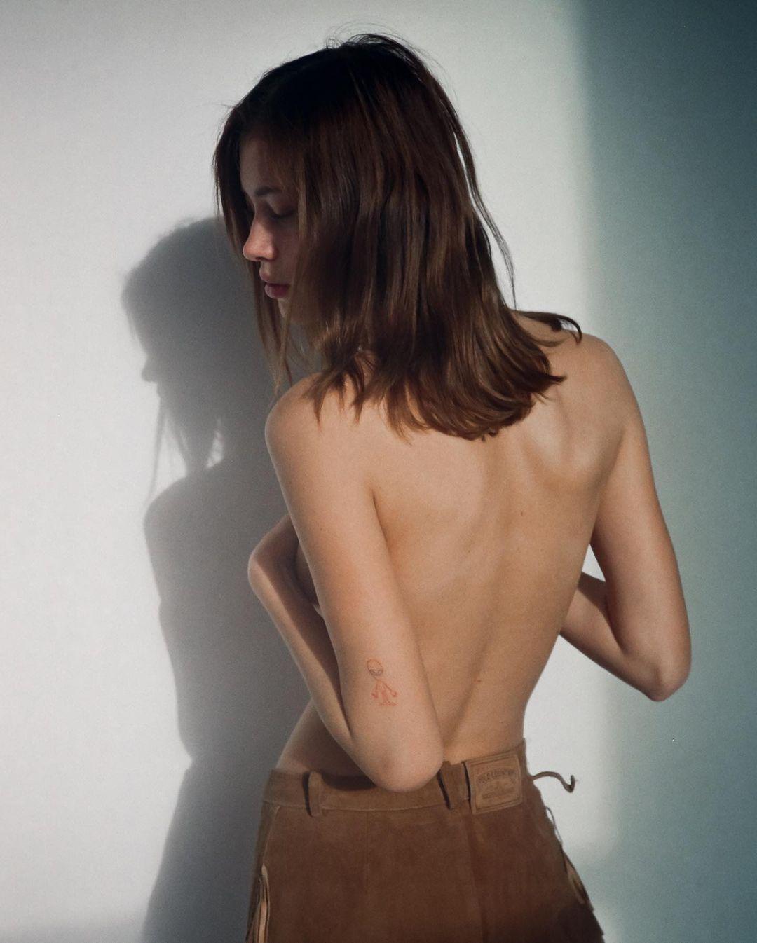 Victoria Kosenkova by Jonathan Correa