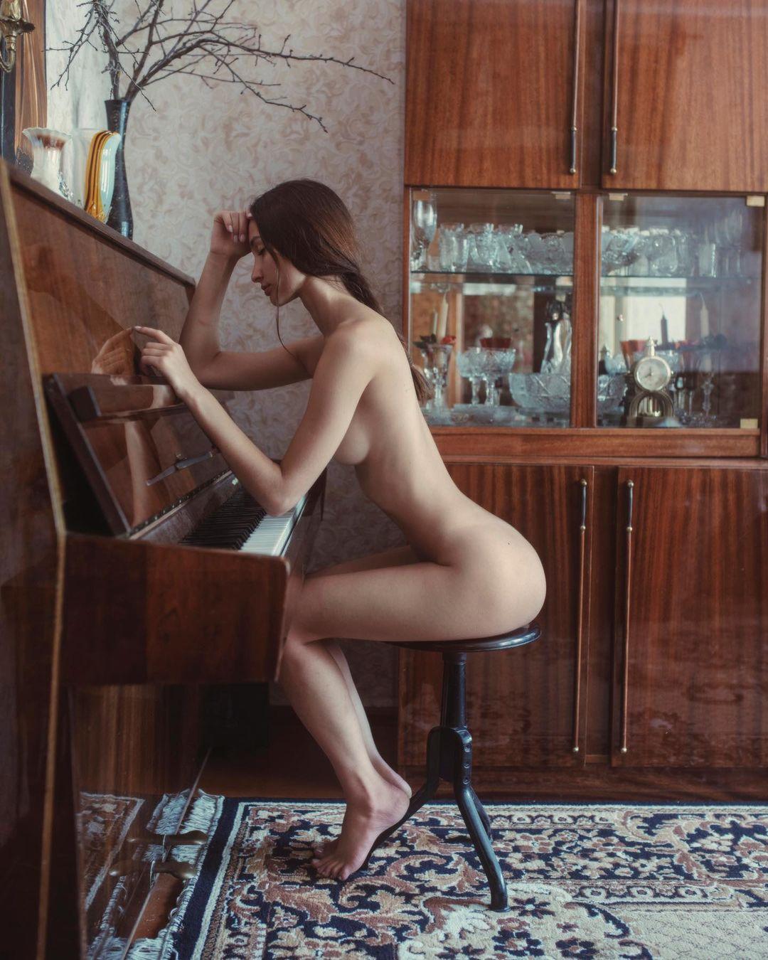 Anastasiia Zakharenko by David Dubnitskiy