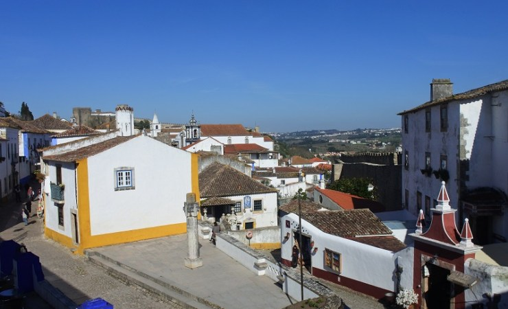How to Plan Your Day Trip from Lisbon to Óbidos