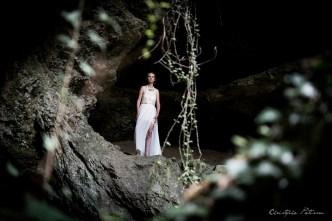 Sandrine_au-dessus_grotte