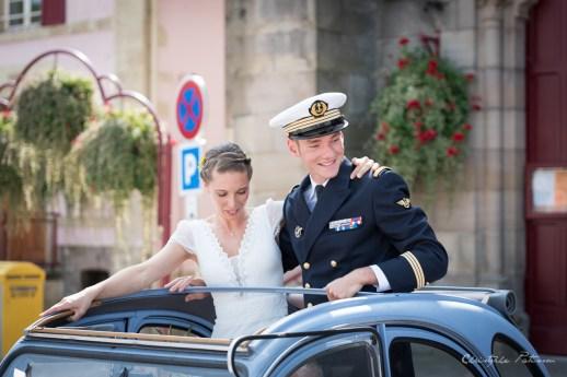 C&B_mariage_ronchamp_mariés_2cv