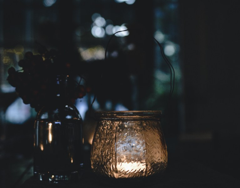 candle light dinner table