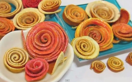 Roses out of citrus fruit peels