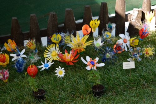 Flowers made of reused items