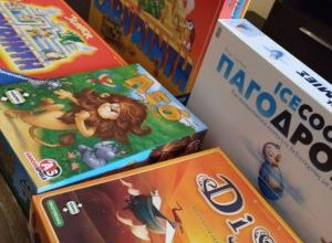 Our 5 Favorite (not that common) Family Board Games