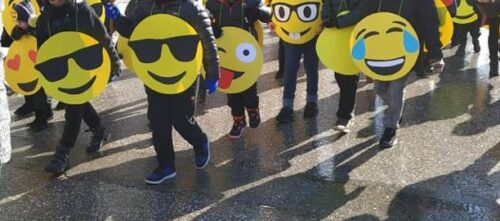 easy DIY Emoji costume large group for cold weather