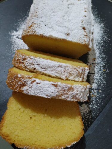 German pound cake slices