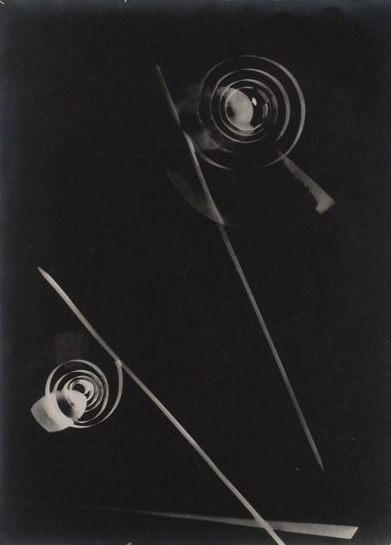 Moholy-Nagy László: Untitled (1929). Photogram. Fotostiftung Schweiz, Winterthur. ©Hattula Moholy-Nagy/VEGAP 2011
