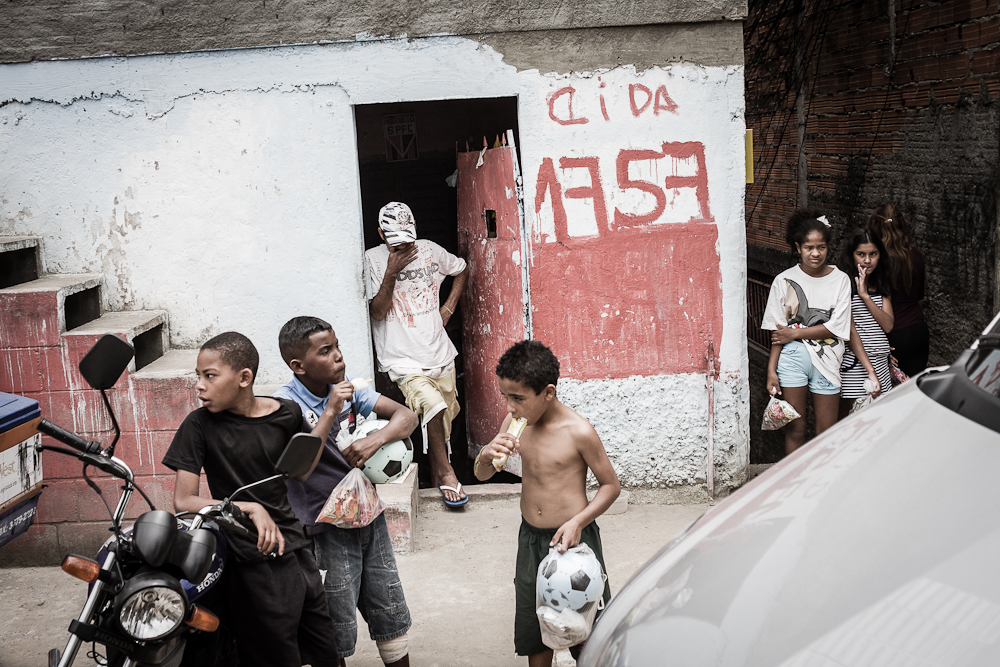 1_day_inside_favelas08