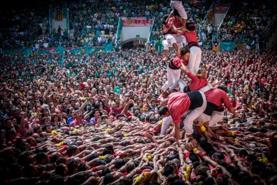 A human tower broken rigth after being crowned.