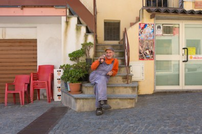 Venancio, 60, has lived for 20 years in Riace Superiore and works at the prison of Locri as a house painter. He do not agree very much with the mayor Domenico policies and sees with skepticism the mediatic rise of Riace.