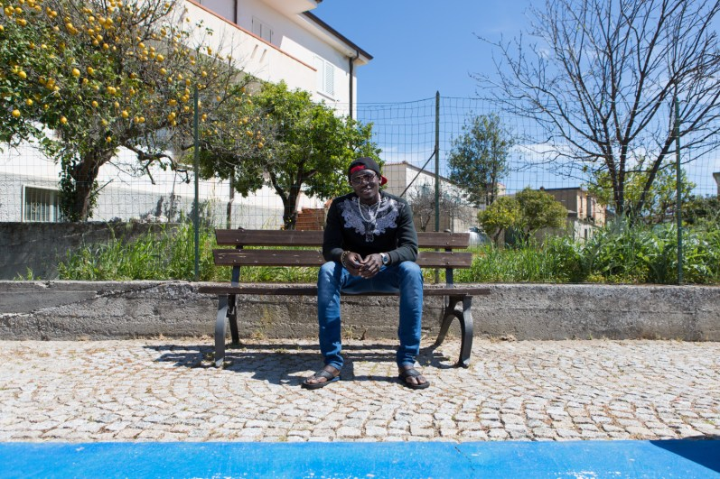 Lamin, 19, he came from Gambia to arrive in Libya and then in Sicily. From 3 months he and his friends will be moving in one of the houses made available by the administration of Domenico Lucano.