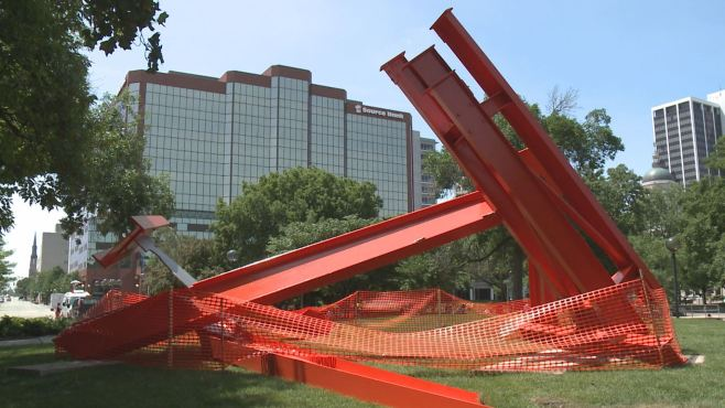UPDATE: Damaged 8-ton, 26ft-tall Sculpture Sent Across Country to #Petaluma for Repair