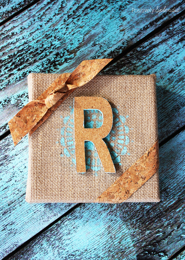 This burlap and cork monogram would make such a fun gift. I love the cork ribbon! #MichaelsMakers