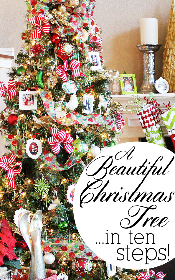 How to decorate a beautiful Christmas tree in 10 easy steps. #MichaelsMakers