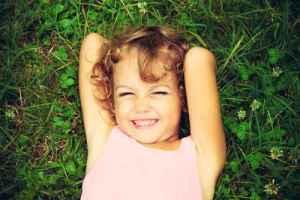 happy child positive parenting
