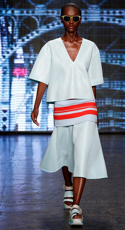 DKNY at New York Fashion Week Spring 2015 DKNY