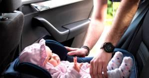 Niña coche - Postales para Mamá