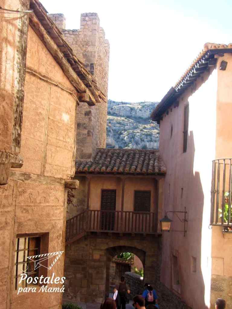 Albarracín Portal Agua - Postales para Mamá