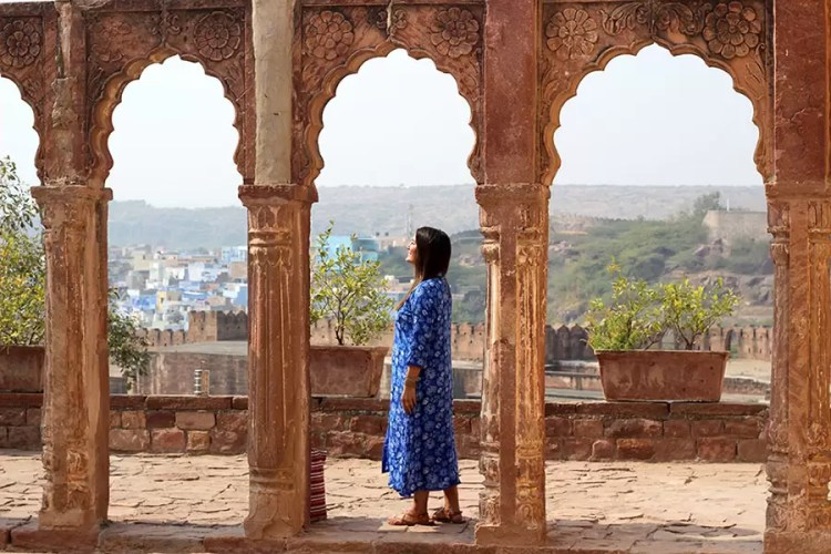 Lola Mendez -- aka, Miss Filatelista -- in Jodhpur, India