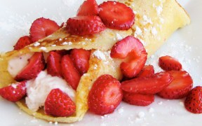 2014 10Oct Recipes StrawberryCrepes Feature