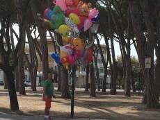 Tusc any balloon-seller