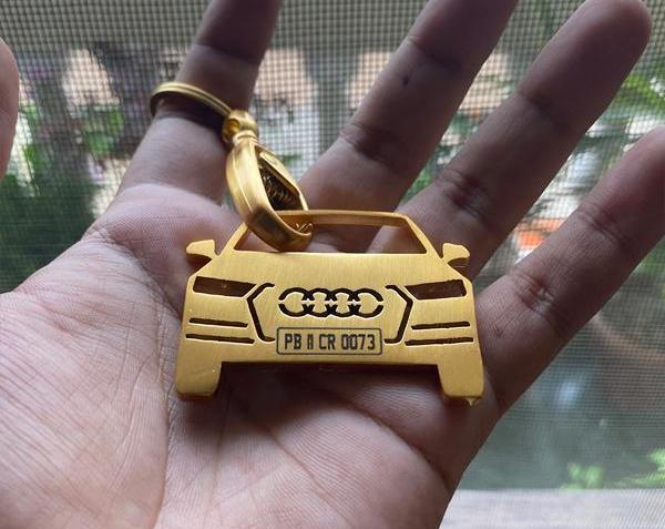 BUY PERSONALISED LUXURY GOLD FINISH KEYCHAIN | free Classified | Free Advertising | free classified ads