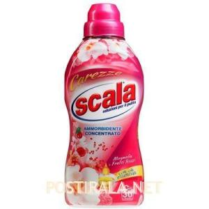 SCALA Ammorbidente Carezze alla Magnolia e Mirtilli rossi concentrato, 750 ml