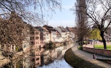 Τι κι αν πήγες στο Στρασβούργο, ο Έλληνας δεν ρυμοτομείται ποτέ…!