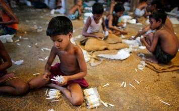 Μικρά χέρια, μεγάλα κέρδη: Καμπάνια εναντίον της παιδικής εργασίας στην καπνοβιομηχανία