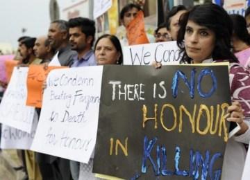 Εγκλήματα Tιμής: Όταν το «τι θα πει η γειτονιά» μπαίνει πάνω από την ανθρώπινη ζωή