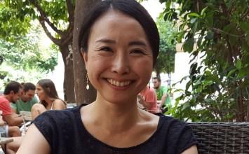 Τι γυρεύει μία γιαπωνέζα δημοσιογράφος με 3 εκατ. αναγνώστες στην Αθήνα;