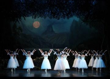Η αιώνια ερωτευμένη Ζιζέλ από το μπαλέτο της Εθνικής Λυρικής Σκηνής