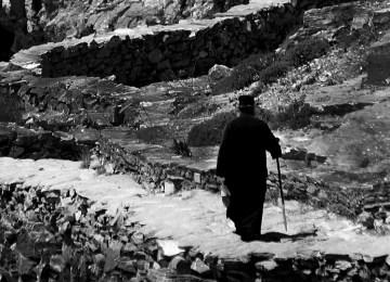Ο παπά-Δερβεντζάς: Ένας λαϊκός «άγιος» των Ιωαννίνων με… νάρθηκες