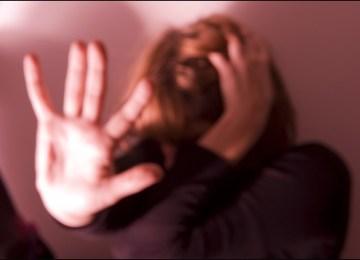 27χρονη γυναίκα, μητέρα ενός παιδιού, κατέληξε μετά από αλλεπάλληλα χτυπήματα του συζύγου της με σκεπάρνι