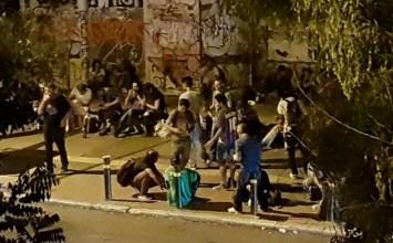 Το Υγειονομικό καλεί Αστυνομία και Δήμο Αθηναίων να επέμβουν στο Green Park του Πεδίου του Άρεως