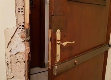 Εισβολή σε πολυκατοικία της Μαυρομματαίων: «Αν φωνάξεις, θα σε σφάξω!»