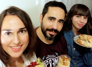 Eat Dessert First: γλυκιές ιστορίες από μία υπέροχη ομάδα νέων ανθρώπων