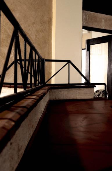 Inverted Office - Chaukor Studio - NOIDA