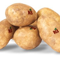 Canadian potatoes are spoiling due to slow federal government response, says grower association