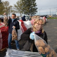 On June 2, Washington State potato growers will reach mission to get 1 million pounds of potatoes to those in need
