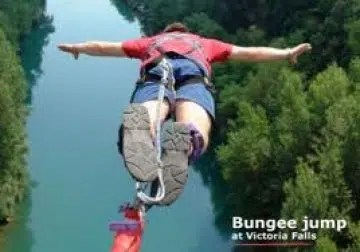 Bungee jumping in Zimbabwe. Picture from http://www.atravelbook.com/top-tourist-attractions-in-zimbabwe/