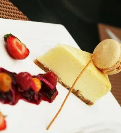 White Chocolate Cheesecake with Berry Coulie sarova