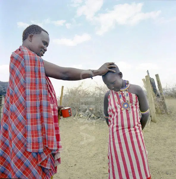 Maasai blessing. Picture from www.fotolibra.com