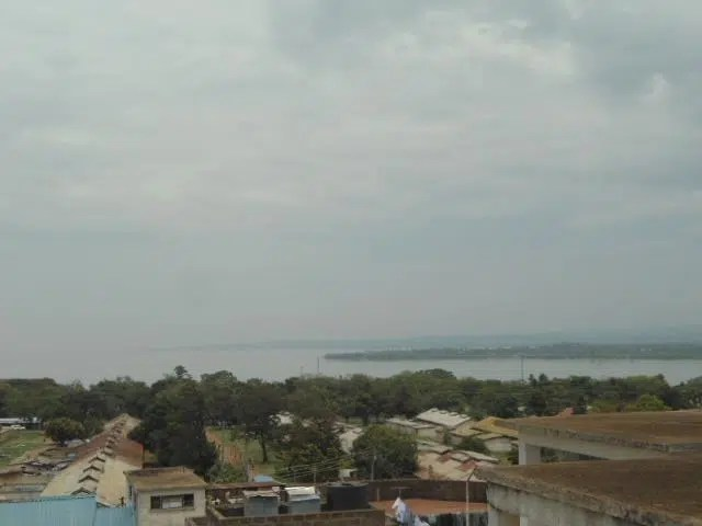You can see Lake Victoria from a distance from some rooms.