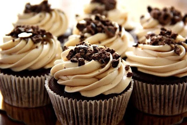 Creamy cheese frosting. Image from http://recipestipster.com/chocolate-espresso-cupcakes-with-kahlua-cream-cheese-frosting/