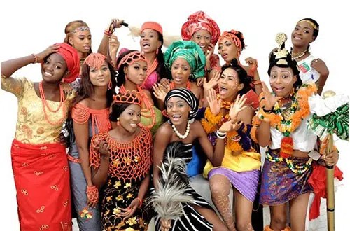 Some beautiful Nigeria women in different types of clothing from Nigeria. Image from http://www.nigeriancommunitygermany.com/index.php/12-peopleofnigeria/8-peopleofnigeria