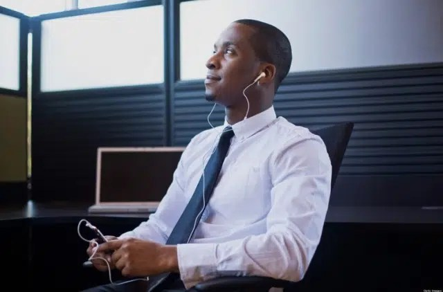A man listening to podcasts. Image from http://www.thebachelorguide.com/the-essential-guides-to-podcasts-for-men/