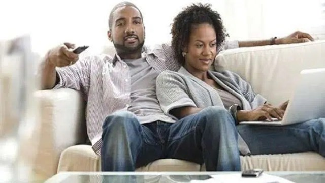 A couple hanging out. Image from http://naijatowncrier.com/friend-zone-6-ways-to-turn-your-friendship-into-a-relationship/