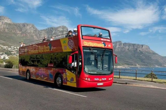 Red Bus Cape Town - Outdoors